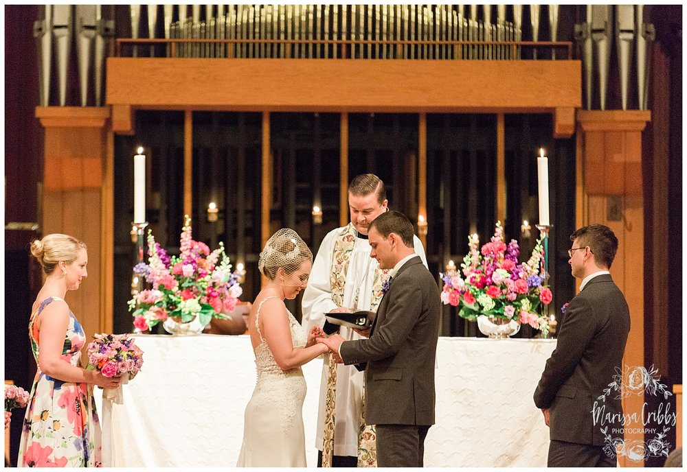 Bride & The Bauer Wedding | Hannah & Jeff | KC Wedding Photographers | Rainy Wedding Photos KC | Marissa Cribbs Photography_1074.jpg