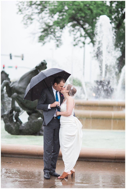 Bride & The Bauer Wedding | Hannah & Jeff | KC Wedding Photographers | Rainy Wedding Photos KC | Marissa Cribbs Photography_1085.jpg