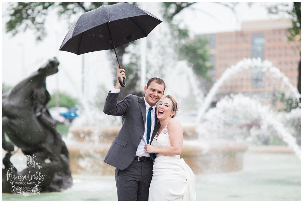 Bride & The Bauer Wedding | Hannah & Jeff | KC Wedding Photographers | Rainy Wedding Photos KC | Marissa Cribbs Photography_1088.jpg