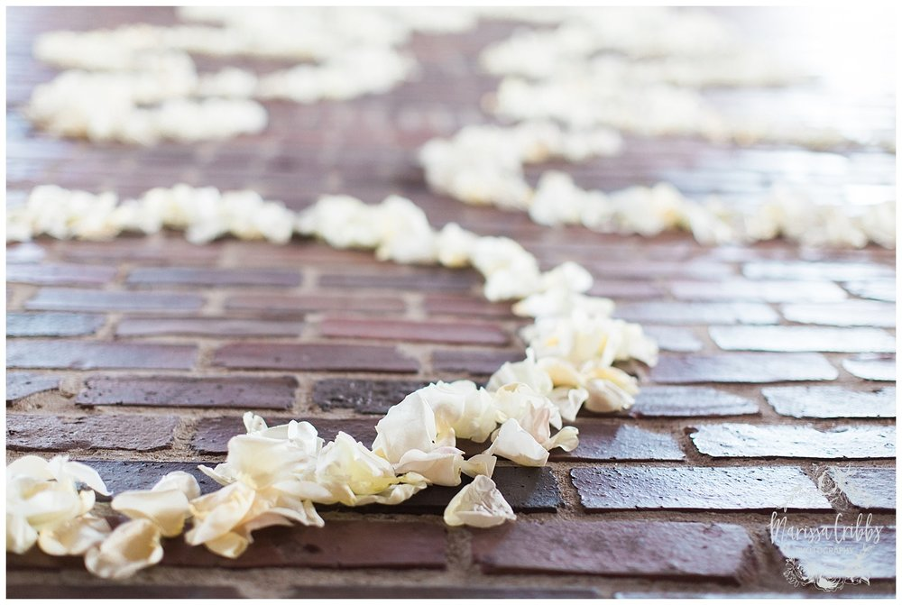 CHELSEY & TRAVIS MARRIED | MILDALE FARM WEDDING | KC WEDDING PHOTOGRAPHERS | MARISSA CRIBBS PHOTOGRAPHY_1267.jpg