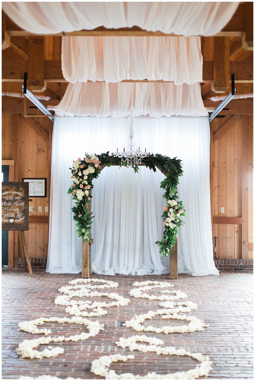 CHELSEY & TRAVIS MARRIED | MILDALE FARM WEDDING | KC WEDDING PHOTOGRAPHERS | MARISSA CRIBBS PHOTOGRAPHY_1269.jpg