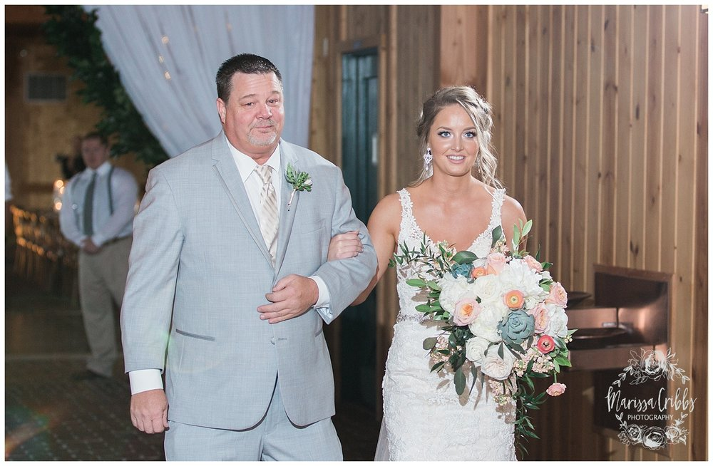 CHELSEY & TRAVIS MARRIED | MILDALE FARM WEDDING | KC WEDDING PHOTOGRAPHERS | MARISSA CRIBBS PHOTOGRAPHY_1273.jpg