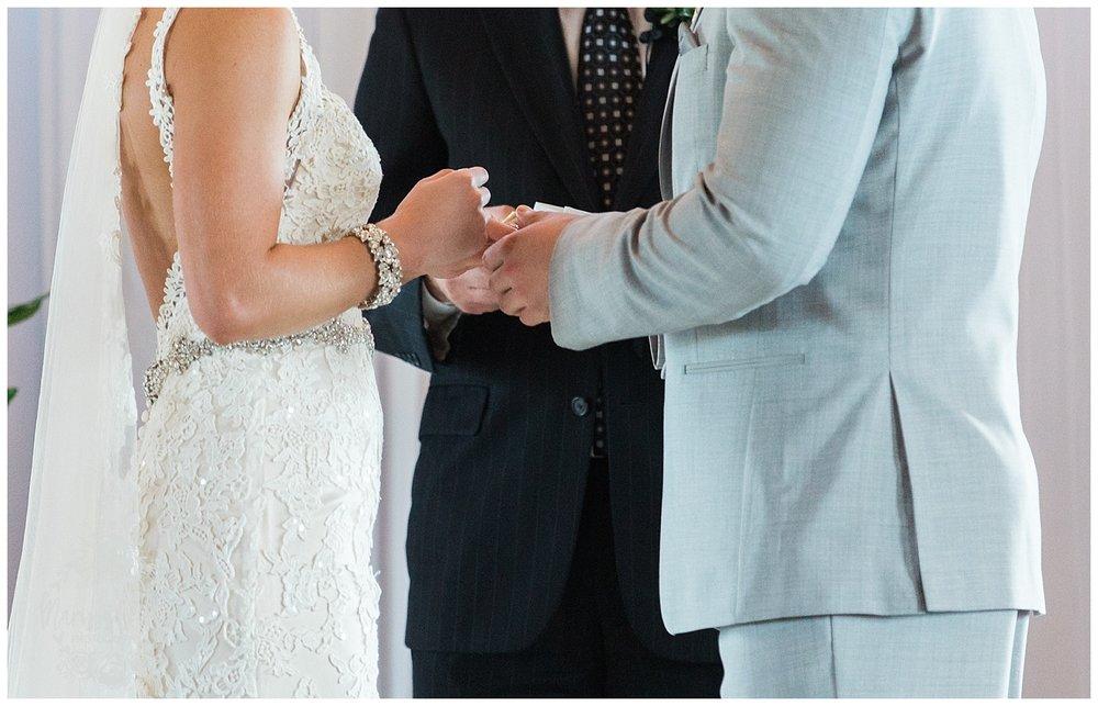 CHELSEY & TRAVIS MARRIED | MILDALE FARM WEDDING | KC WEDDING PHOTOGRAPHERS | MARISSA CRIBBS PHOTOGRAPHY_1287.jpg