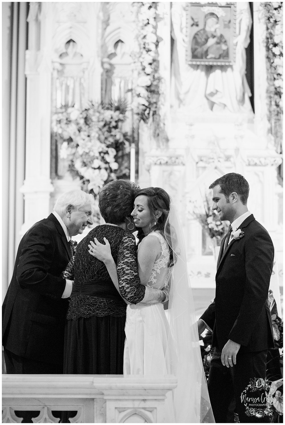 BRENDAN & KELSEY | THE MADRID THEATRE WEDDING | OUR LADY OF PERPETUAL HELP WEDDING | KC WEDDING PHOTOGRAPHERS | MARISSA CRIBBS PHOTOGRAPHY_2059.jpg