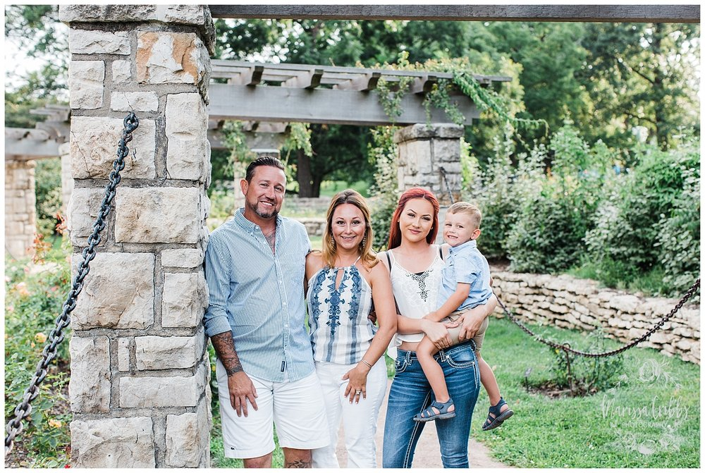 ROBINSON FAMILY | LOOSE PARK FAMILY PHOTOGRAPHY | MARISSA CRIBBS PHOTOGRAPHY_2377.jpg
