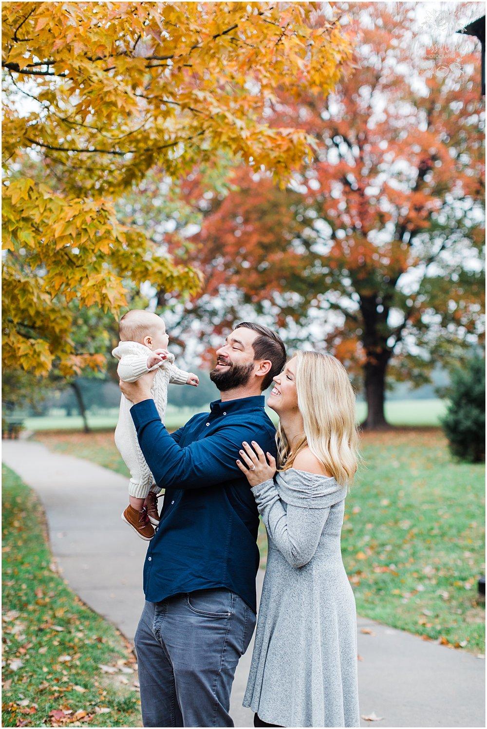 MILLER FAMILY LOOSE PARK | MARISSA CRIBBS PHOTOGRAPHY | KC FAMILY PHOTOGRAPHY_3797.jpg