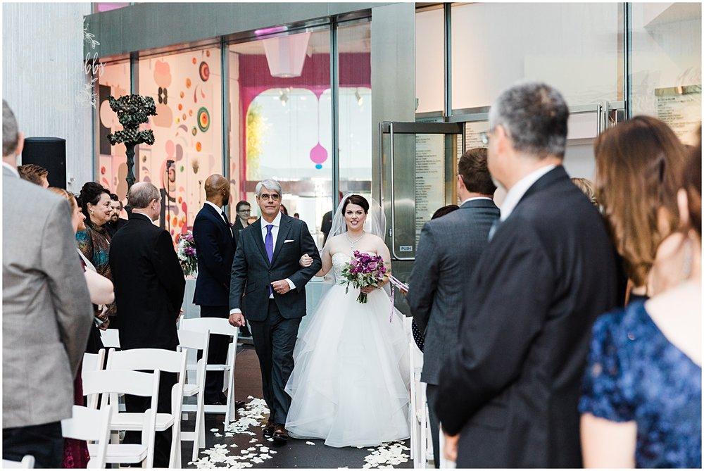 LAURA & DAN MARRIED | NELSON ATKINS MUSEUM | MARISSA CRIBBS PHOTOGRAPHY_7017.jpg