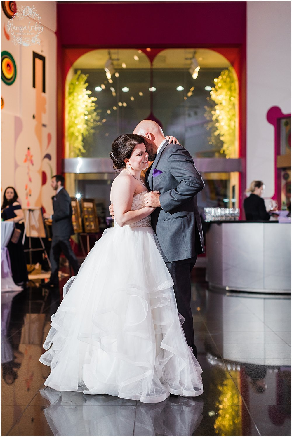 LAURA & DAN MARRIED SNEAK PEEKS | MARISSA CRIBBS PHOTOGRAPHY | KEMPER MUSEUM_6833.jpg