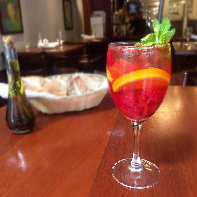 Treat your girl to a refreshing glass of rosè sangria for #nationalgirlfriendday 🍷