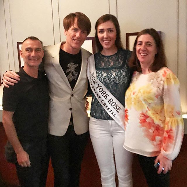 It was a pleasure to have the lovely New York rose in with us last night. Best of look in the #roseoftralee festival Sinead 🤗