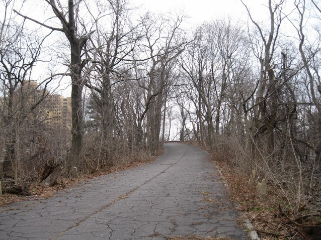 For 2.5 miles you have a beautiful off-street path to walk, run or ride your bike