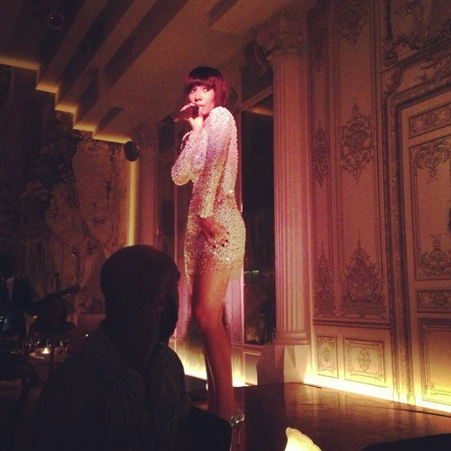 I had the pleasure of watching the lovely Bridget Kelly perform at her Rhythm and Burlesque showcase at the start of NYFW. Not only can this woman sing her heart out but she looked fabulous doing it! Plus the intermixing of burlesque dancers utterly blew my mind! Check out my Instagram video of her singing.. instagram.com/p/d3G1FsJjLl/ PS… check out my Instagram… instagram.com/feli_love