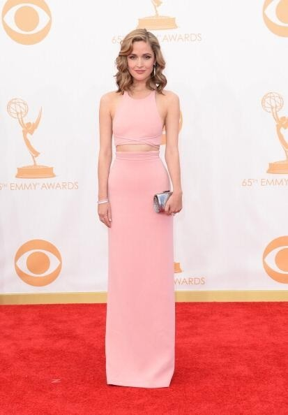 Rose Byrne looking amazing in Calvin Klein ❤️ Has to be the chic-est look I've seen on the Emmys Red Carpet