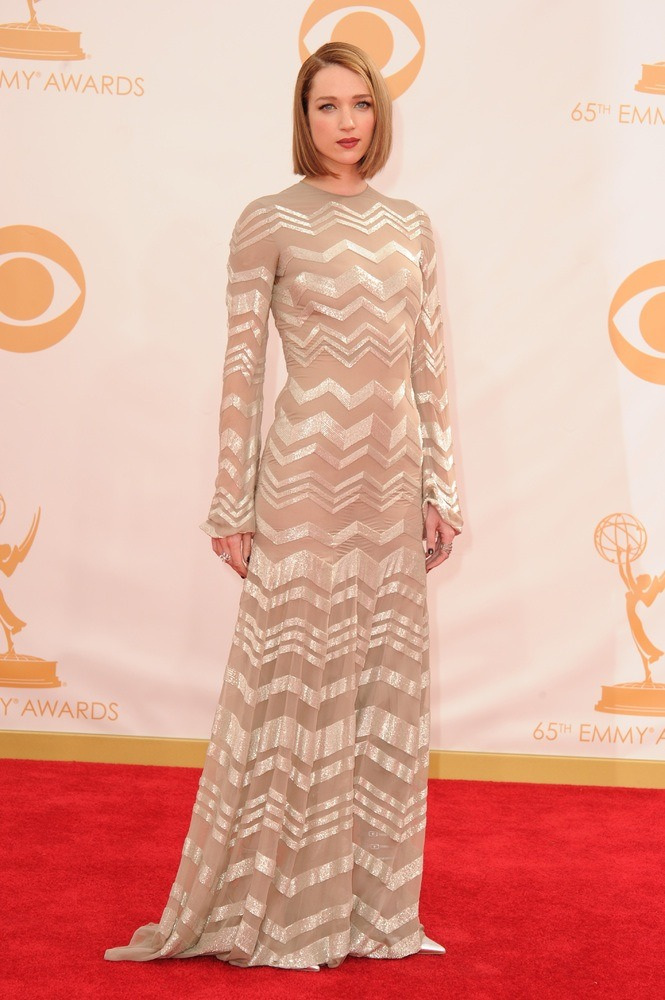 An amazing look from Kristen Connolly! I absolutely adore her on House of Cards! (Yaaay for Netflix stars!) and these subtle metallic stripes add a dynamic edge to this nude bell-sleeve dress.