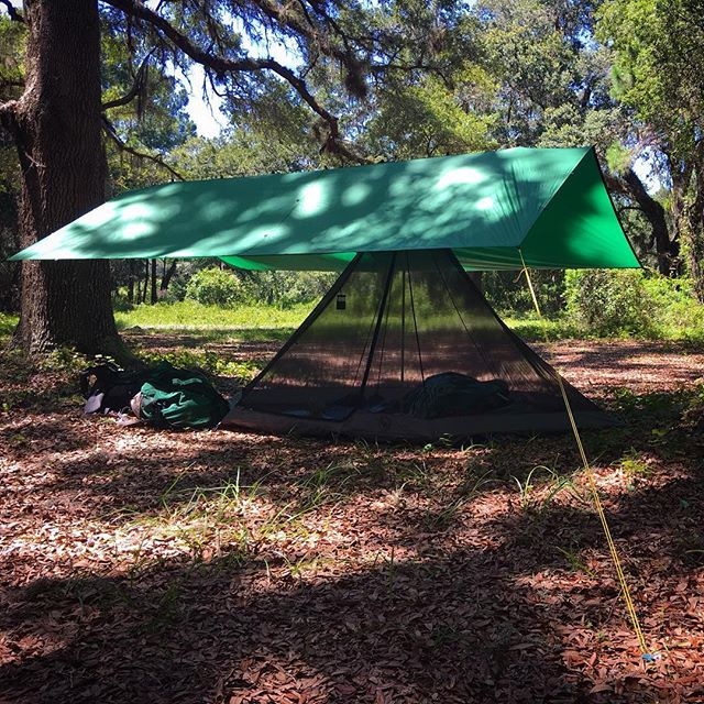Home sweet home. Big Agnes Yahmonite 5 (formerly GoLite ShangriLa 5) under a Cooke Custom Sewing silnylon tarp. A light, but spacious and airy set-up for an extended stay in the Florida heat for Byron Kerns' wilderness survival instructor training course. @bigagnes_ #bigagnes