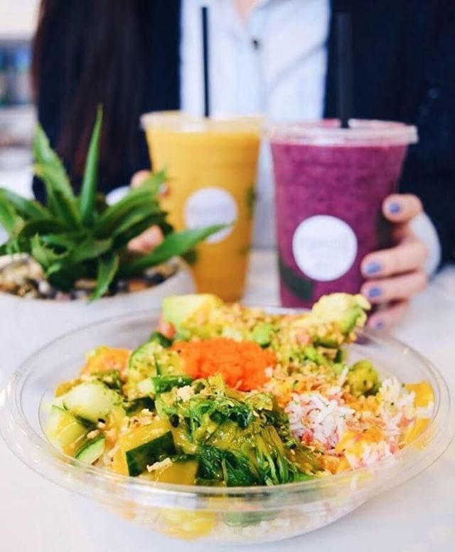 We love grabbing a healthy bowls from our Steveston Village neighbours @purposesmoothieco on the go! 🍊🍓So tasty and healthy too! 💛 ____________________________ #healthandnutrition #longtermresults #healthyish #livehealthylovedeeply #livehealthylivehappy #livehealthymovement #fitnesspro #TRXTrainer #livehealthybehappy #girlswhoworkout #trxsuspensiontraining #trxworkout #trxfollowtrain #livewellglobal #livewelleatwell #thesweatlife #thesweatlifeyvr #core
