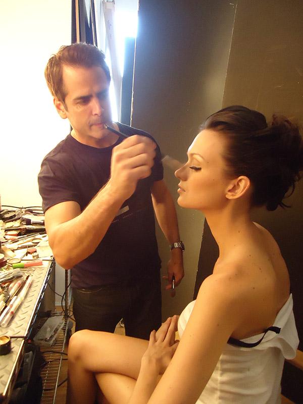 Kevin Hees preps Elite model Noel in New York.