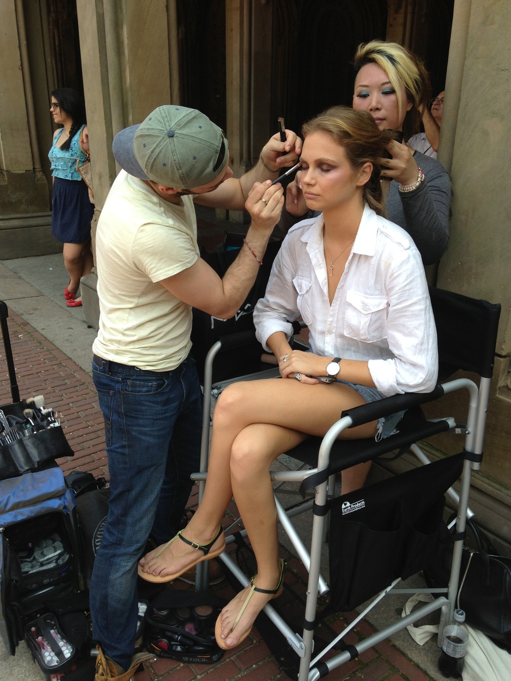 Pro MUA's like Justin Paul in NYC bring everything they need.