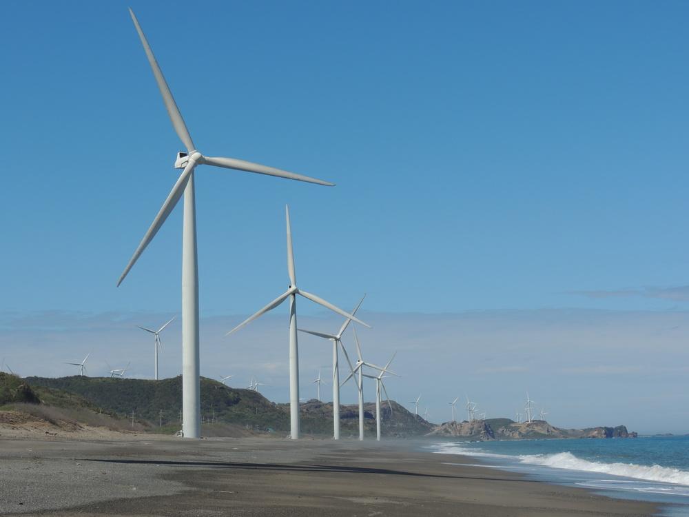 bangui windmills ilocos norte pagudpug.JPG