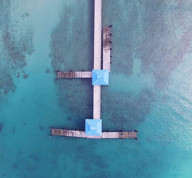A beautiful top view using our Dronie. It's really hard to backpack across asia with a drone because it's bulky but the quality and shots you get is truly amazing! Makes it all worth it! 📸❤🌎 #thailand #djiphantom #drone #dji #thailand #rawai #wanderingwaffleheads #wanderlust  #travelblogger #travelcouple #traveling #traveltheworld #travelstoke #traveldiaries #explore #travelphoto #effortlessdigital #travelph #travelgram #travelpinoy #travel️ #travelasia #asia #philippines #travelgram #traveling #traveladdict #wanderlust #FotografiaUnited #LiveTravelChannel  #travelphotooftheday #grammerPH #goPH #photooftheday