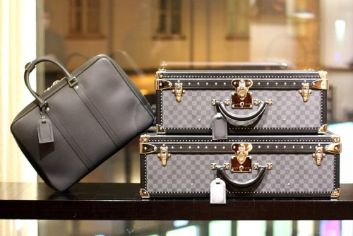 heroshe-shop-in-the-us-from-nigeria-esthers-blog-10-Must-Have-Items-for-Every-Womans-Closet-handbags-accessories-louis-vuitton-vienna.jpg