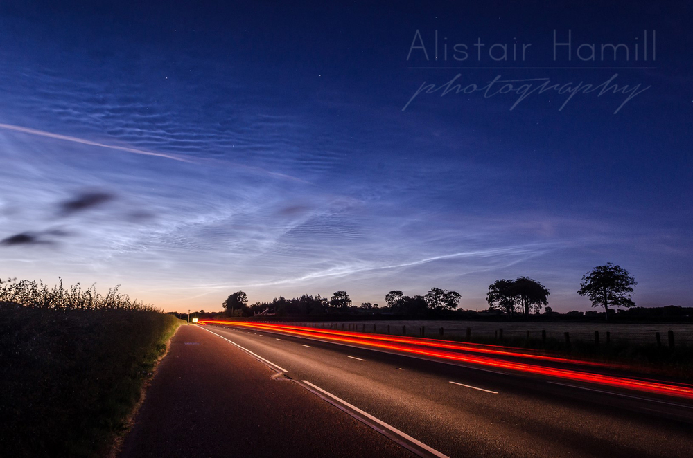 Noctilucent light trails - NLC08
