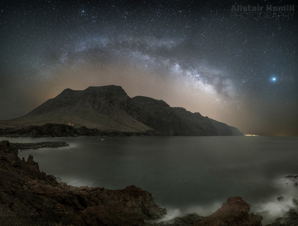 Giant stars over Los Gigantes