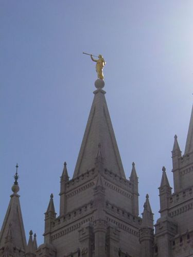 450px Salt Lake City Temple Moroni