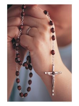 542401b Woman Praying W Rosary Beads Posters
