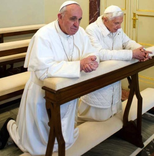 pope-francis-and-pope-benedict-prayer