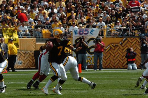 800px-ben_roethlisberger_throwback