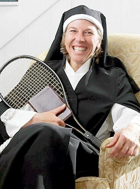 tennis nun 111206