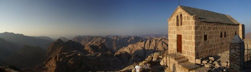 800px-panorama_mount_sinai_northeast_to_south