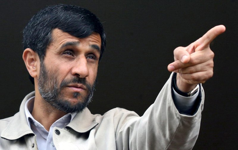 mahmoud-ahmadinejad-pointing