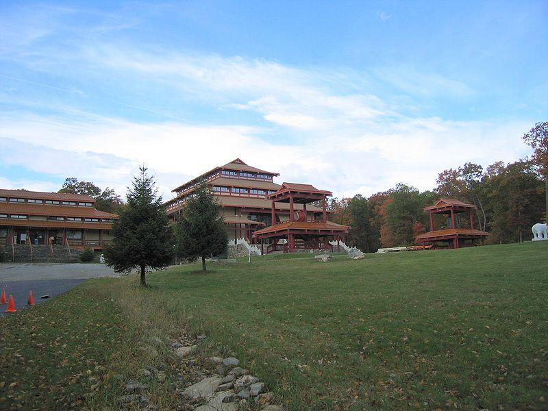 800px-Chuang_Yen_Monastery_2004