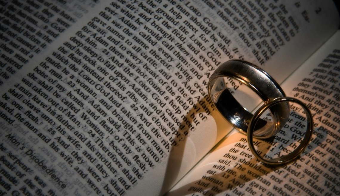 BibleWeddingRings