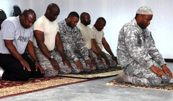 ArmyMuslimsPrayers
