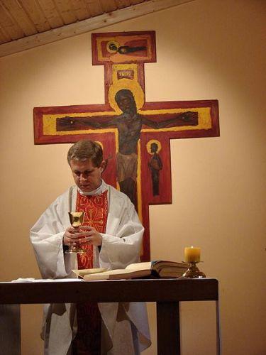 450px Holy Mass