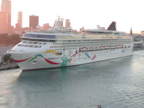 Norwegian Dawn   Miami 2002