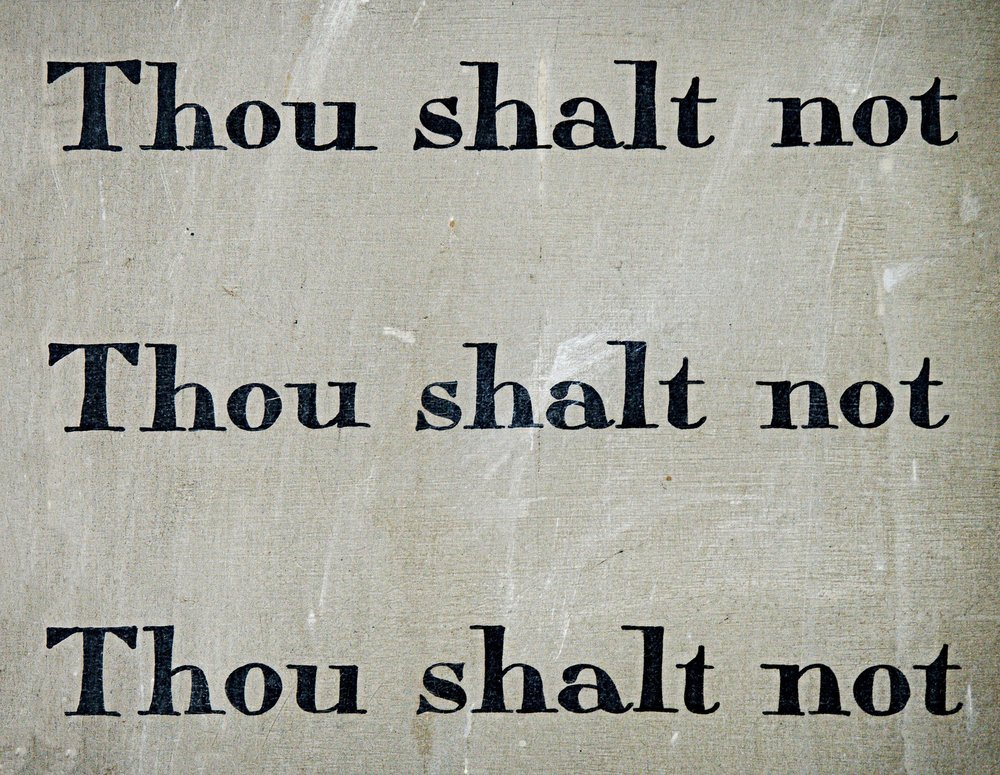 commandment-1431061_1920.jpg