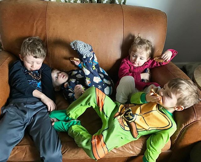 Mandatory toast on sofa lunch before nap time. Kitchen is still in pieces, we sound like a herd (flock? School? Colony?) of barking seals except our gross cough is productive, and I've caught their disease. Nasty kids 😷