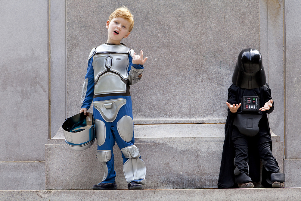 lifestyle-editorial-washington-dc-malek-naz-photography-contempo-kids-meridian-hill-park-darth-vader.jpg