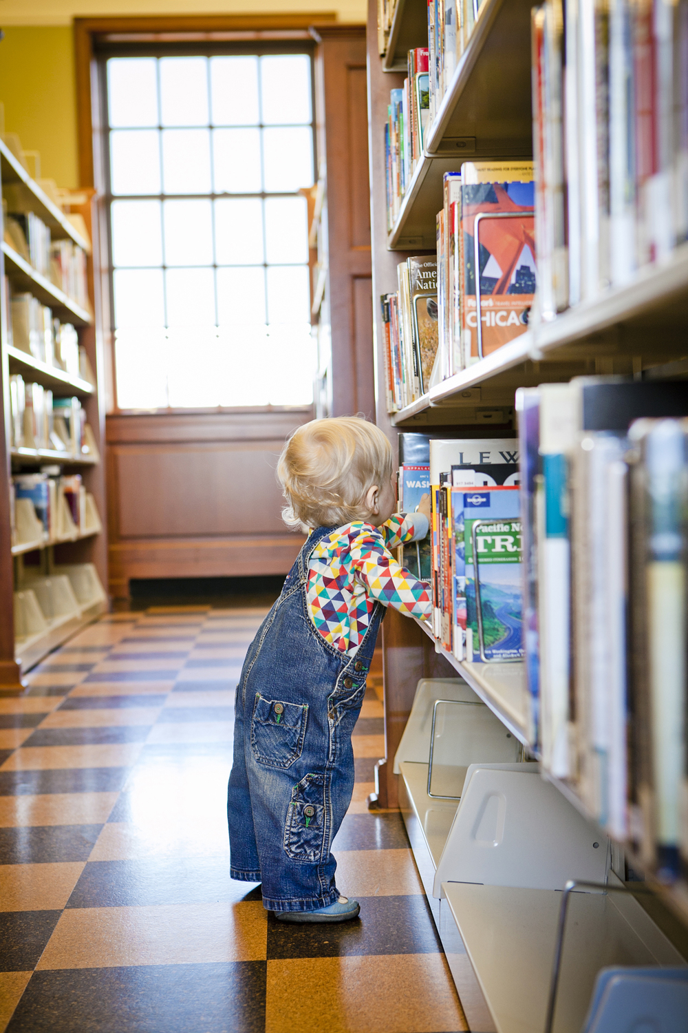lifestyle-editorial-children-washington-dc-malek-naz-photography-contempo-kids-library.jpg