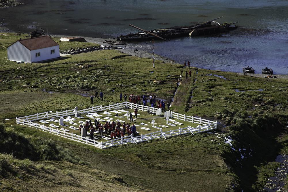 Shackleton's-Grave-Grytviken.jpg