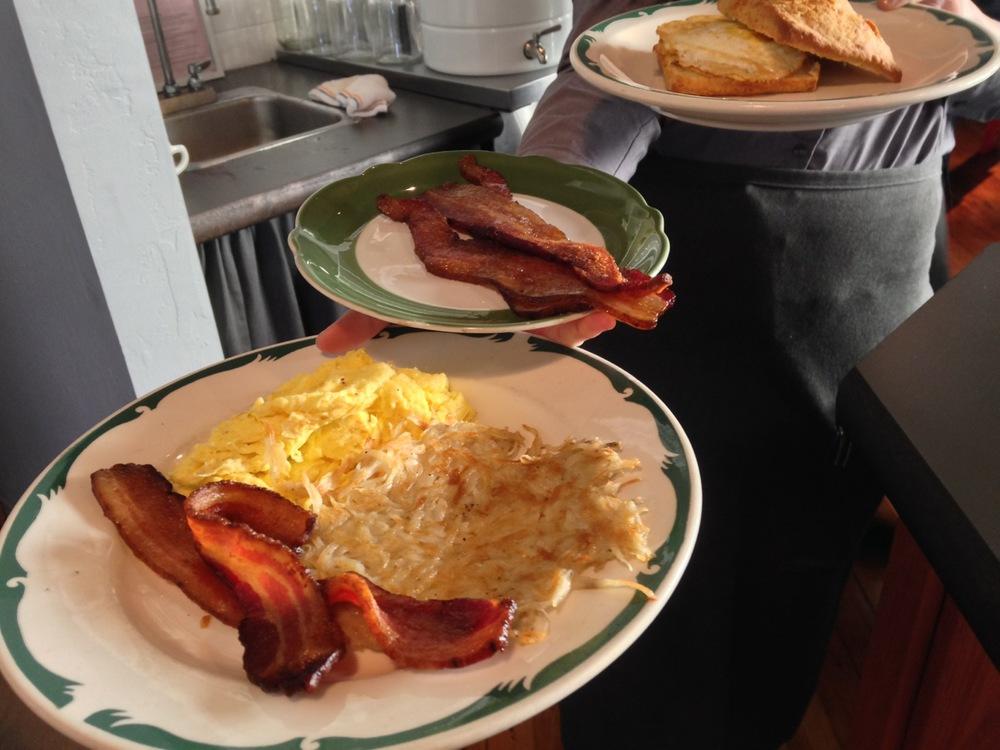 topsys-breakfast-plates.jpg
