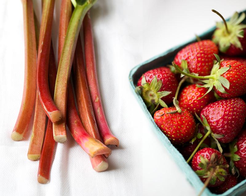 Evi-Abeler-Photography-rhubarb-strawberry.jpg
