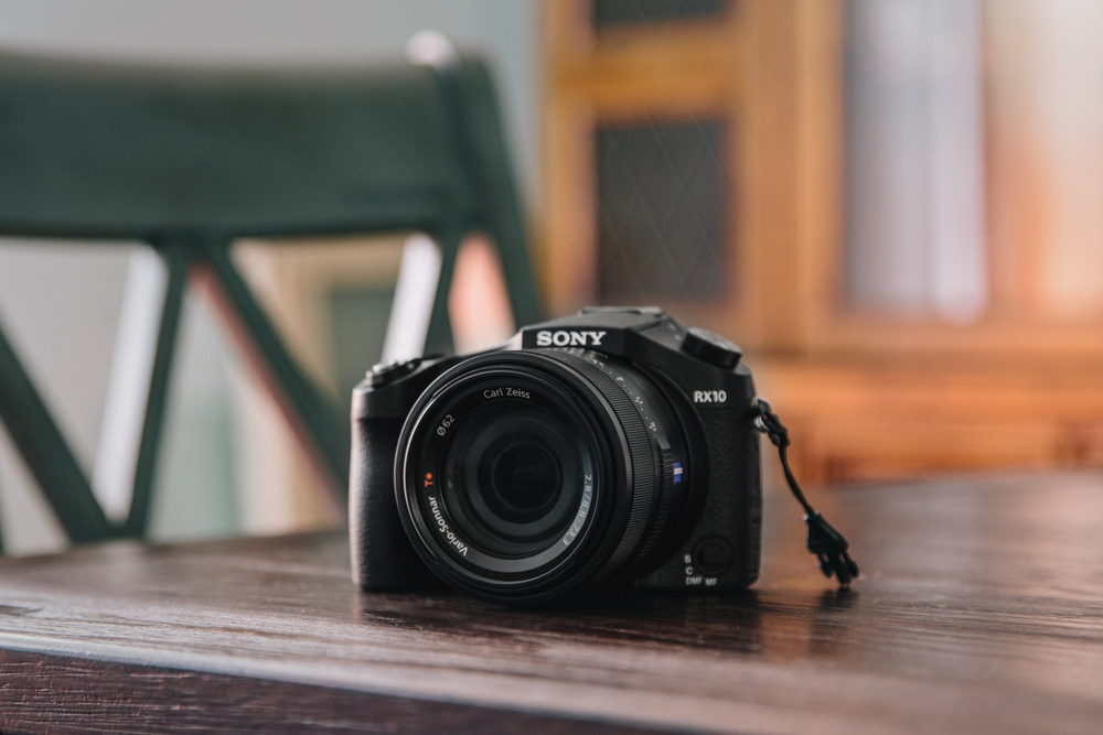 Sony RX10 Unboxed