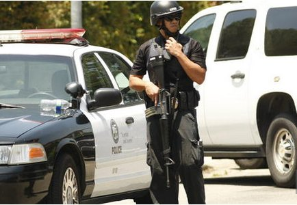 Officer in North Hollywood standoff, courtesy of LA Times