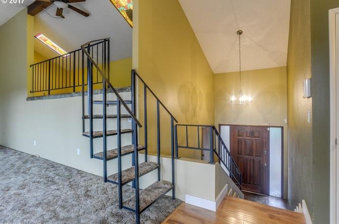 9105-loft + stairs.jpg