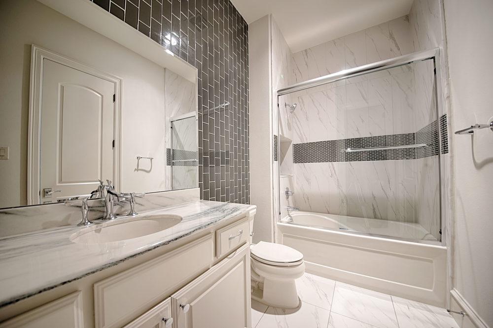 25 Bath 4.jpg